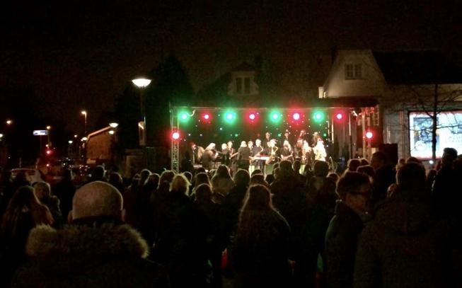 Weer traditionele kerstsamenzang in Oude Dorp op kerstavond