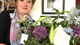 Bloemen voor Eveline dankzij zeer geslaagde Koningsdag