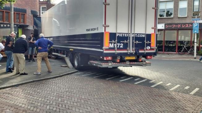 Mogelijk 'poort' om vrachtwagens uit Oude Dorp te weren